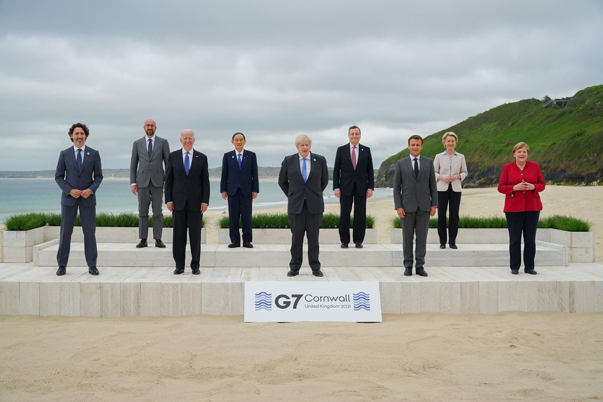 G7 Issues Life Like Action Figure Series